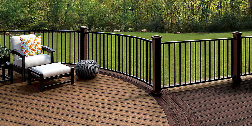 signature-railing-curved-transcend-decking-charcoal-black-vintage-lantern-tiki-torch-spiced-rum-2